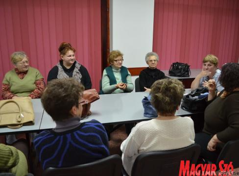 Bőven akadt megbeszélnivalója a női fórum tagjainak (Lakatos János felvétele)