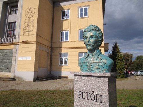 nagykapos-petofi-szobor-2016